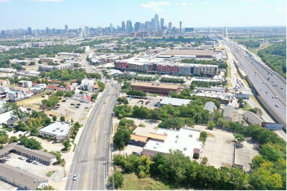 2.33 AC – 1004 Fort Worth Avenue